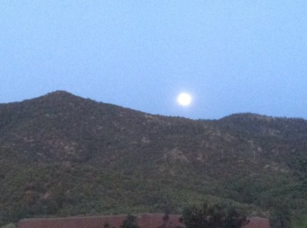 Moonrise over Santa Fe / photo: Maia Duerr